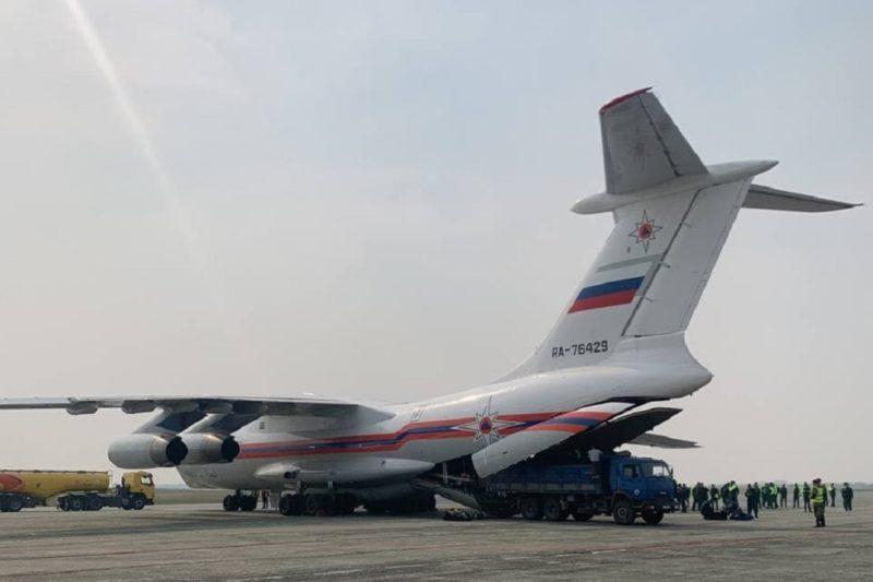 В Тюмень прибыл самолет Ил-76 с лесопожарными формированиями
