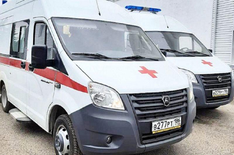 В Урайскую больницу поступило два новых автомобиля скорой помощи