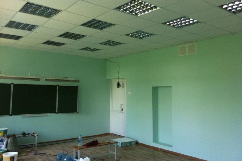 В строящихся по нацпроекту тюменских школах идут отделочные работы
