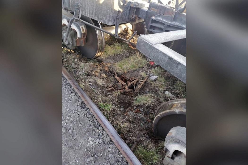 В Курганской области 3 вагона сошли с рельсов из-за ветхости шпал