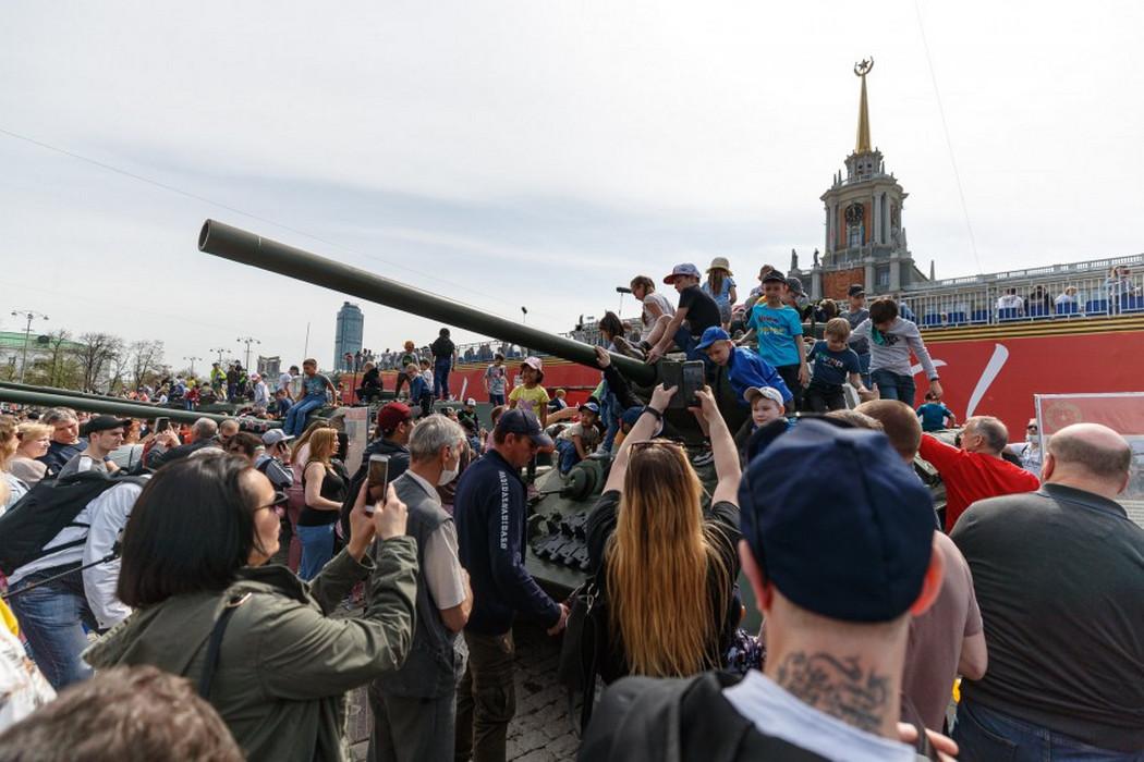 В Екатеринбурге развернулась выставка образцов военной бронетехники