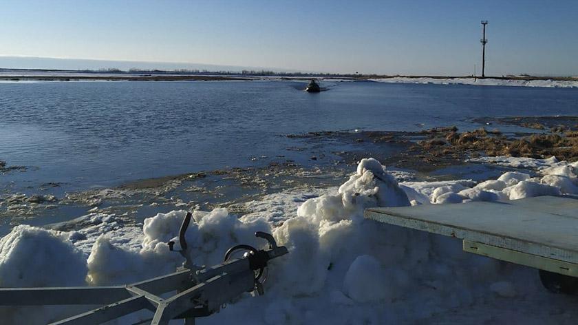 Ямальские спасатели дважды за час помогли семье тундровиков 1