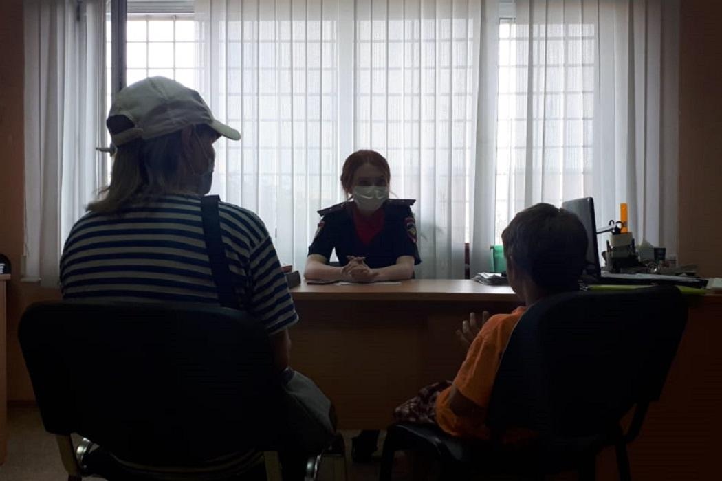 На Эльмаше в Екатеринбурге 7-летние дети подожгли пустующий дом