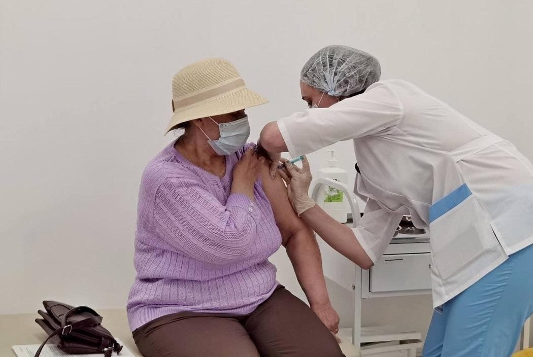 Пункт вакцинации от COVID-19 открылся в ТЦ микрорайона Заозёрный Кургана