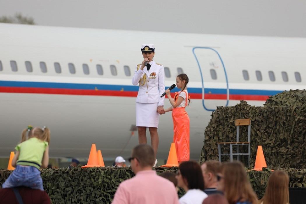 В Екатеринбурге в Кольцово прошла выставка авиатехники в День Победы