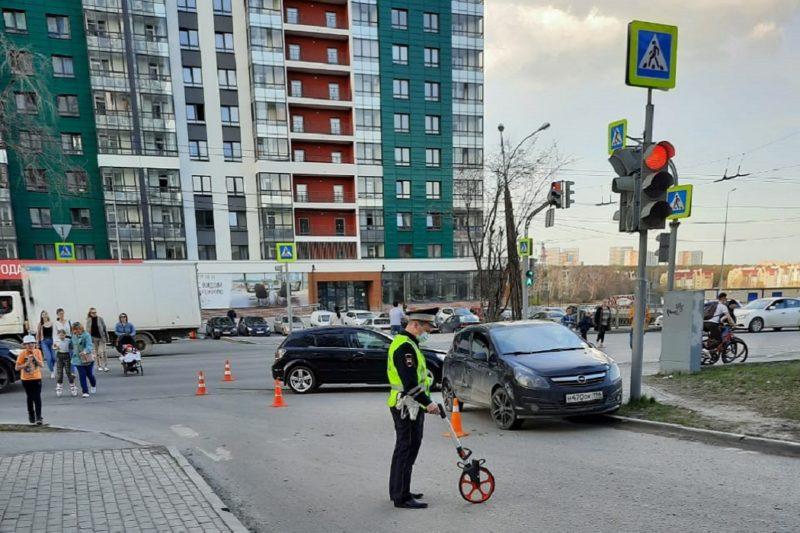 В Екатеринбурге в ДТП на Щербакова пострадал 3-летний малыш