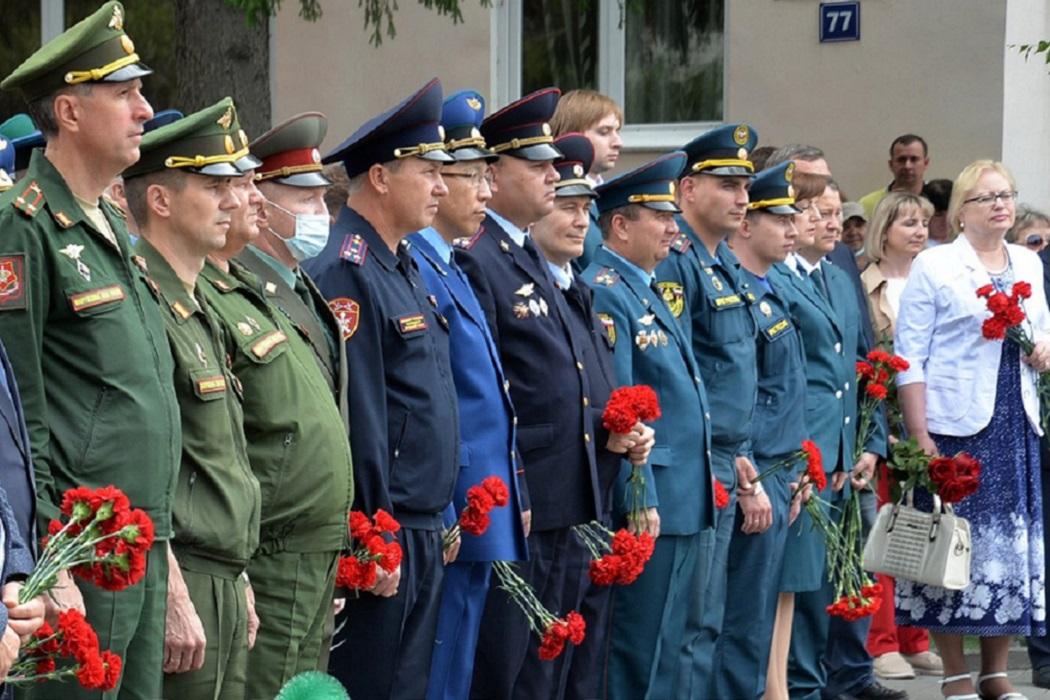 9 Мая + День памяти и скорби + День победы + офицеры