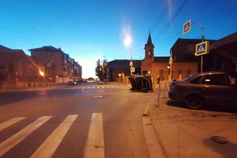 Четыре человека пострадали в ночном ДТП в Тюмени