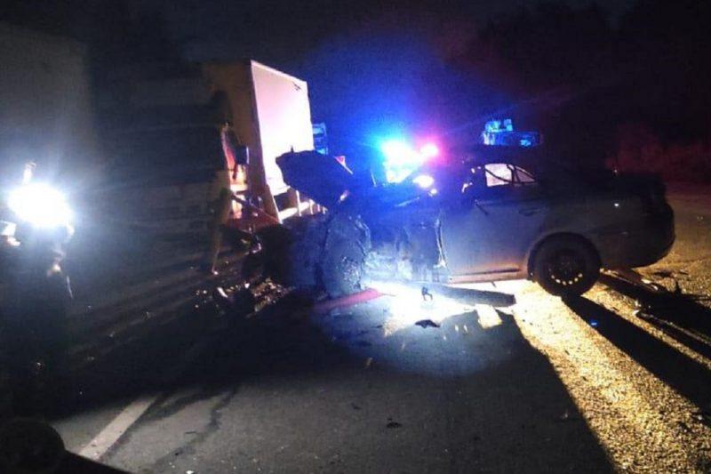 Два человека пострадали в ДТП с Toyota и фурой в Первоуральске