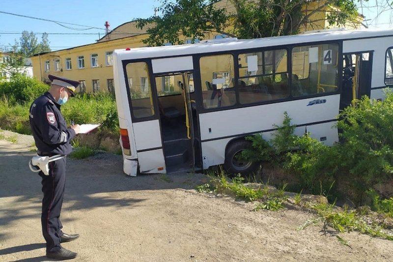 СК проводит проверку по факту ДТП с шестью погибшими в Лесном