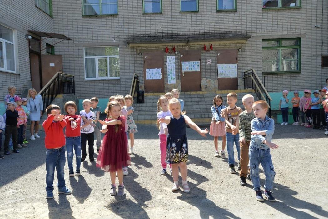 Дети + танцы + дети танцуют