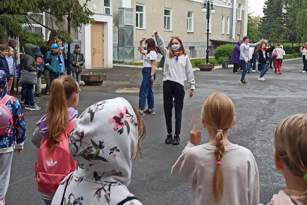 Детский лагерь + танцы + девочки + дети