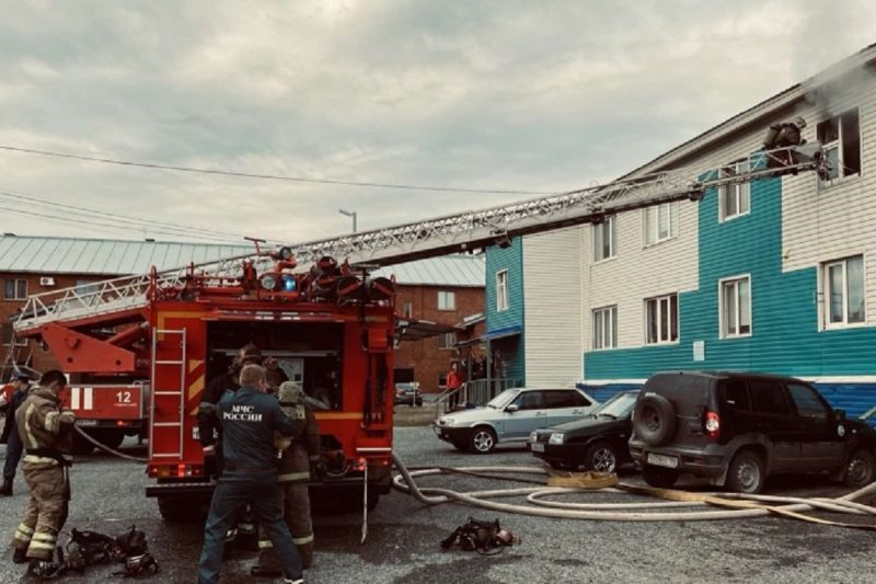 Двое взрослых и двое детей едва не погибли при пожаре в Губкинском 1