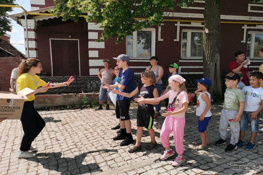 Десятки горожан вышли на семейный субботник в Красноуфимске