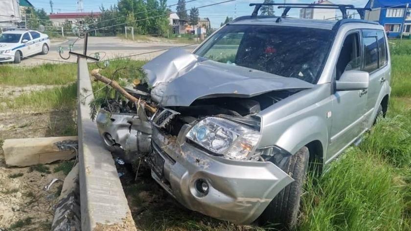 На Ямале пьяный водитель снес ограждение детского сада