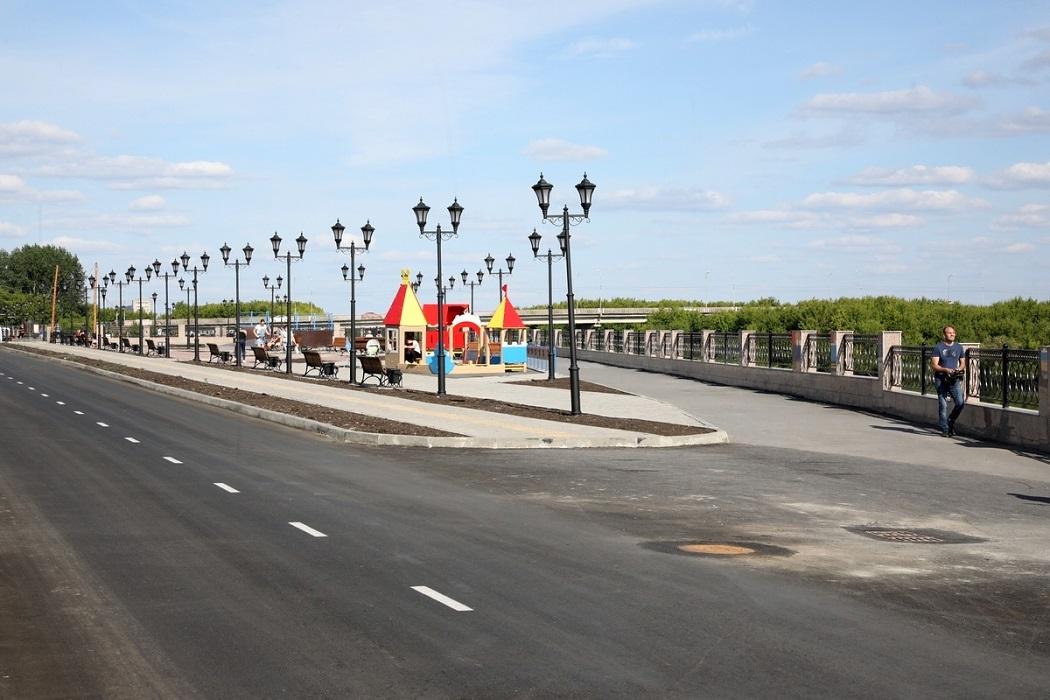 Набережная + Шадринск + дорога + асфальт + люди