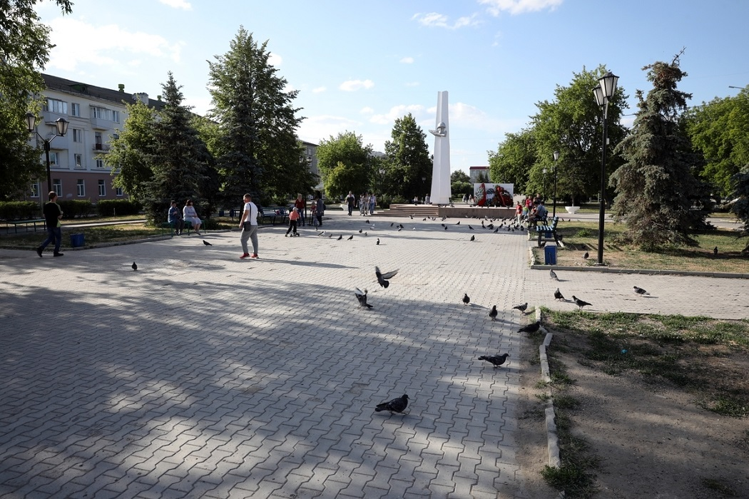 Плитка + пешеходные дорожки + люди + Шадринск