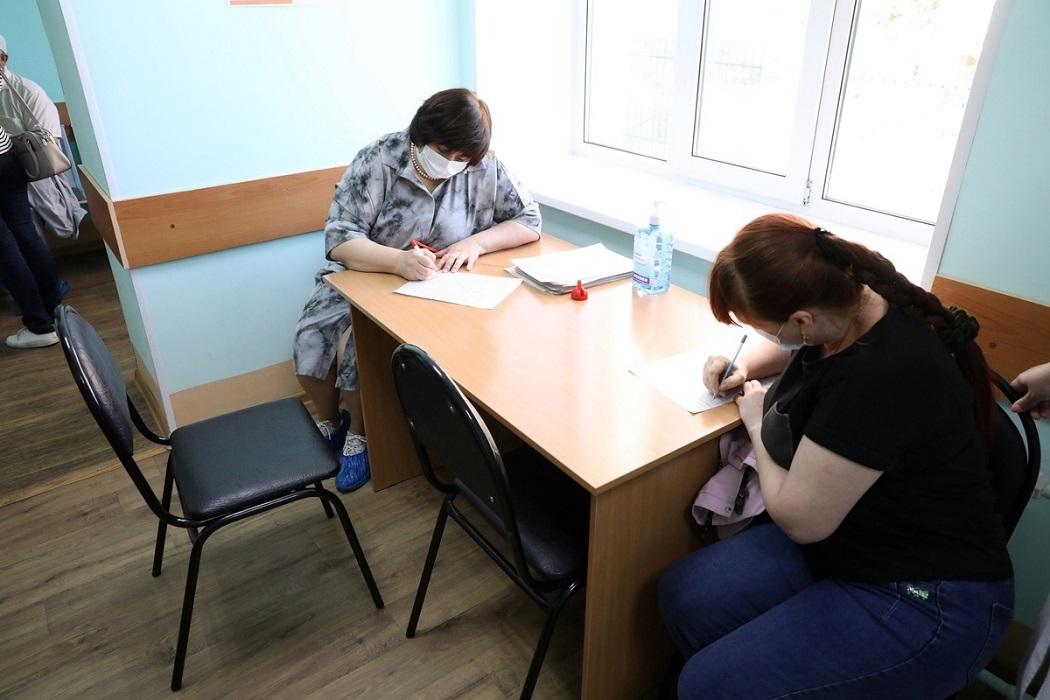 Прививка + вакцина + кабинет врача + поликлиника + больница + Алёна Лопатина