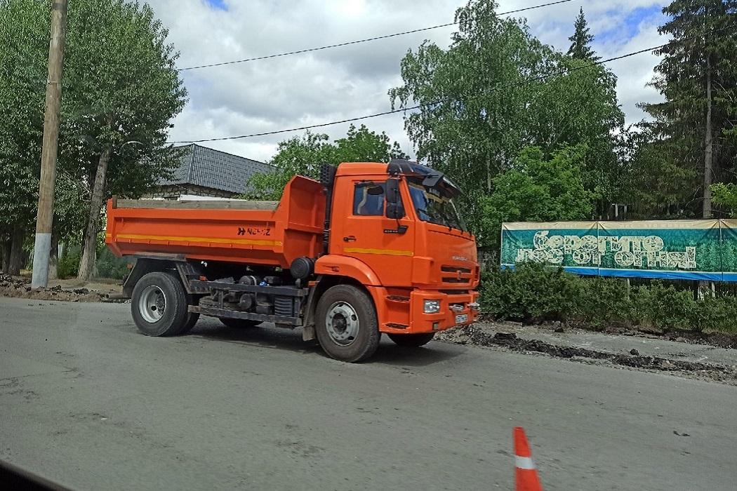 Ремонт + установка бортового камня + грузовик + ремонт дороги + асфальт