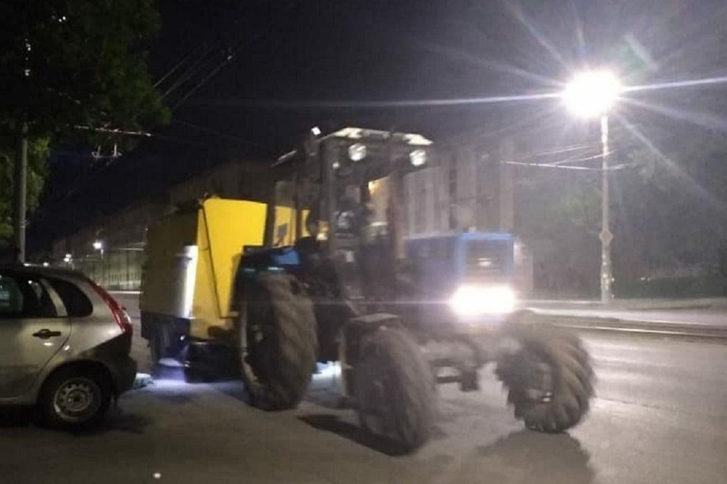 Трактор + уборка улиц + уборочная техника