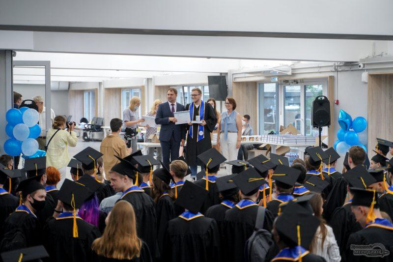 UrFU vypusknoy 2021 studenty 33