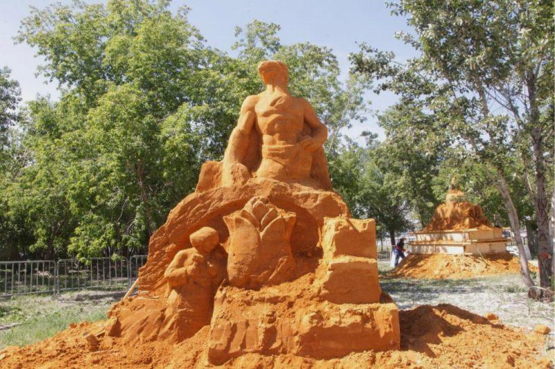 В Челябинске из 800 тонн песка построят скульптуры в Саду камней