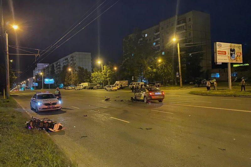 В Челябинске в ДТП погиб мотоциклист уходя от преследования экипажа ДПС