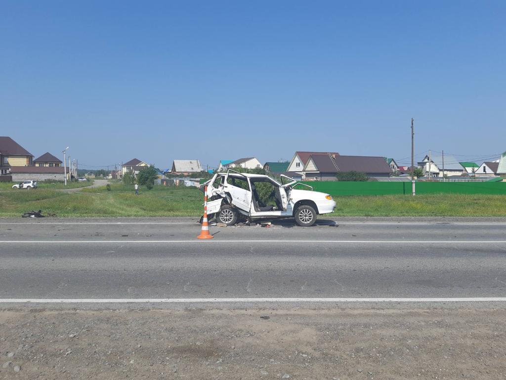 В ДТП на тюменской трассе двое человек пострадали и один погиб 1