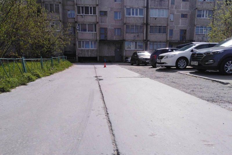 В Надыме водитель «десятки» сбил пешехода во дворе дома