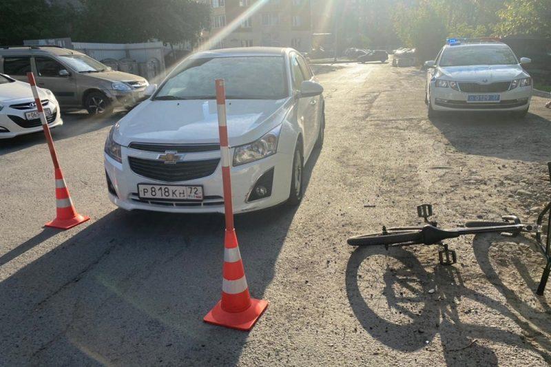 В Тюмени иномарка сбила 8-летнего велосипедиста