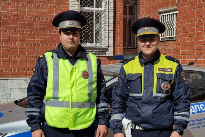 Ямальские автоинспекторы сопроводили роженицу до больницы
