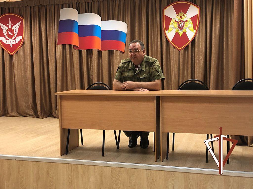 Комплексная группа офицеров Уральского округа Росгвардии работает в Югре