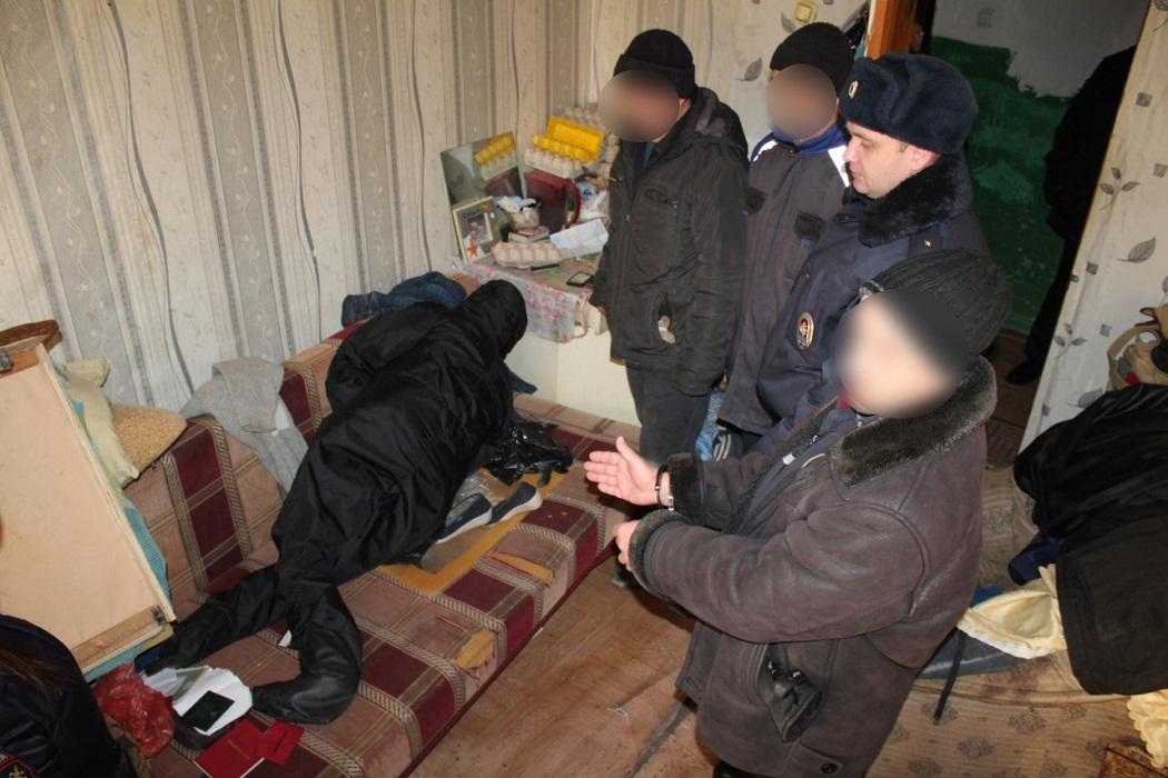 В Богдановиче мужчина почти месяц хранил дома тело убитой им женщины