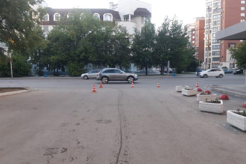 В Екатеринбурге водитель Hyundai сбил 12-летнего велосипедиста