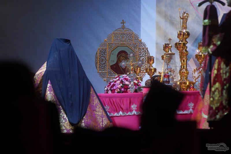 Bozhestvennaya liturgiya RPTS TSarskie dni 1 19