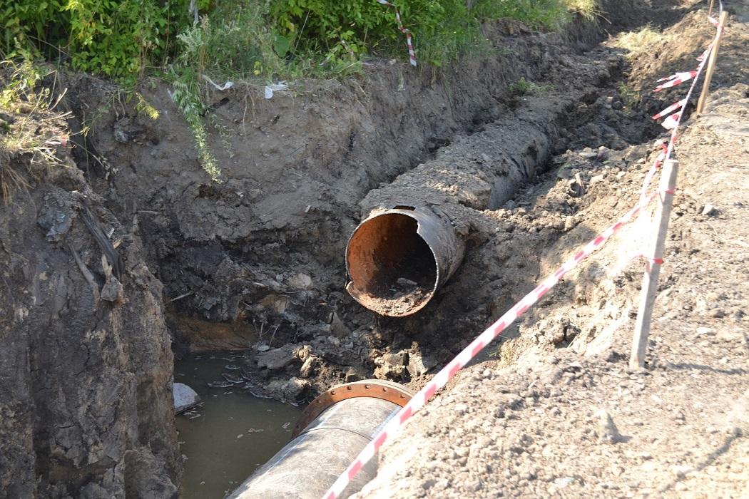 Старая труба + ремонт + водопровод + коллектор + труба + трубы