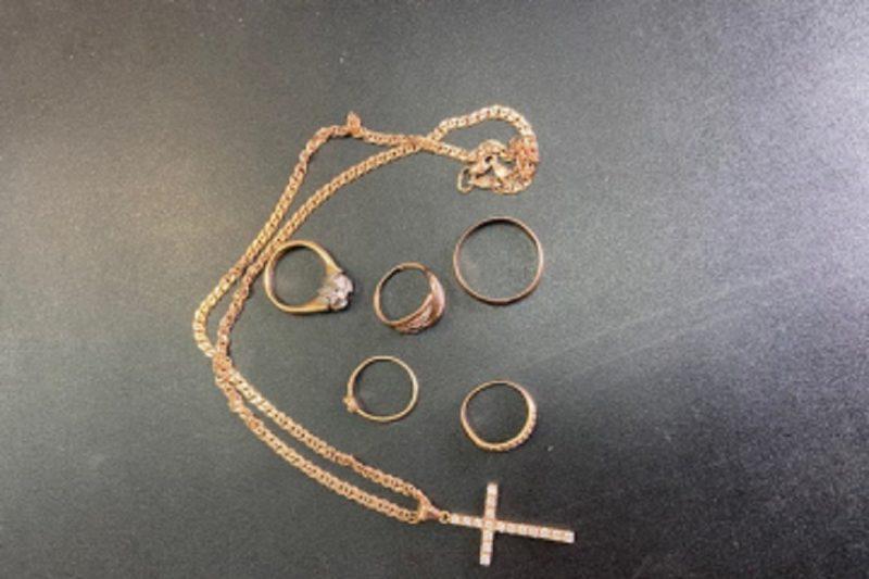 Тюменец похитил из ювелирной мастерской сейф с украшениями 1