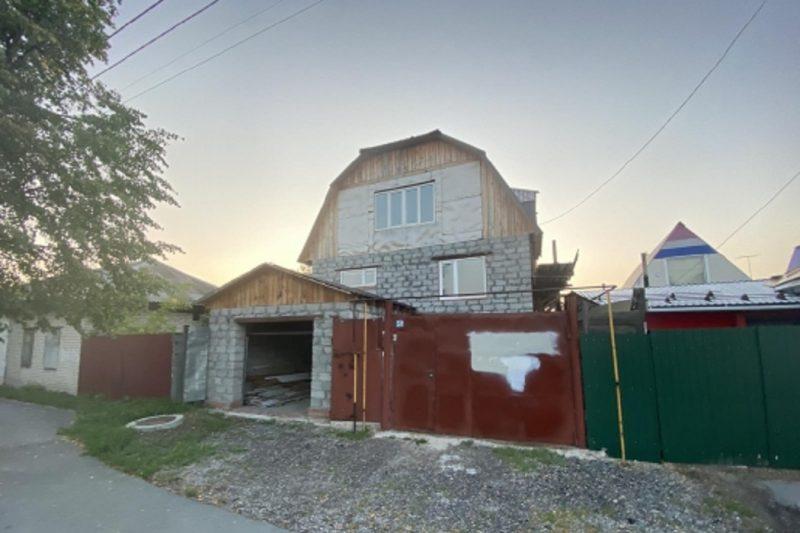 В частном секторе Тюмени мужчина зарезал собутыльника