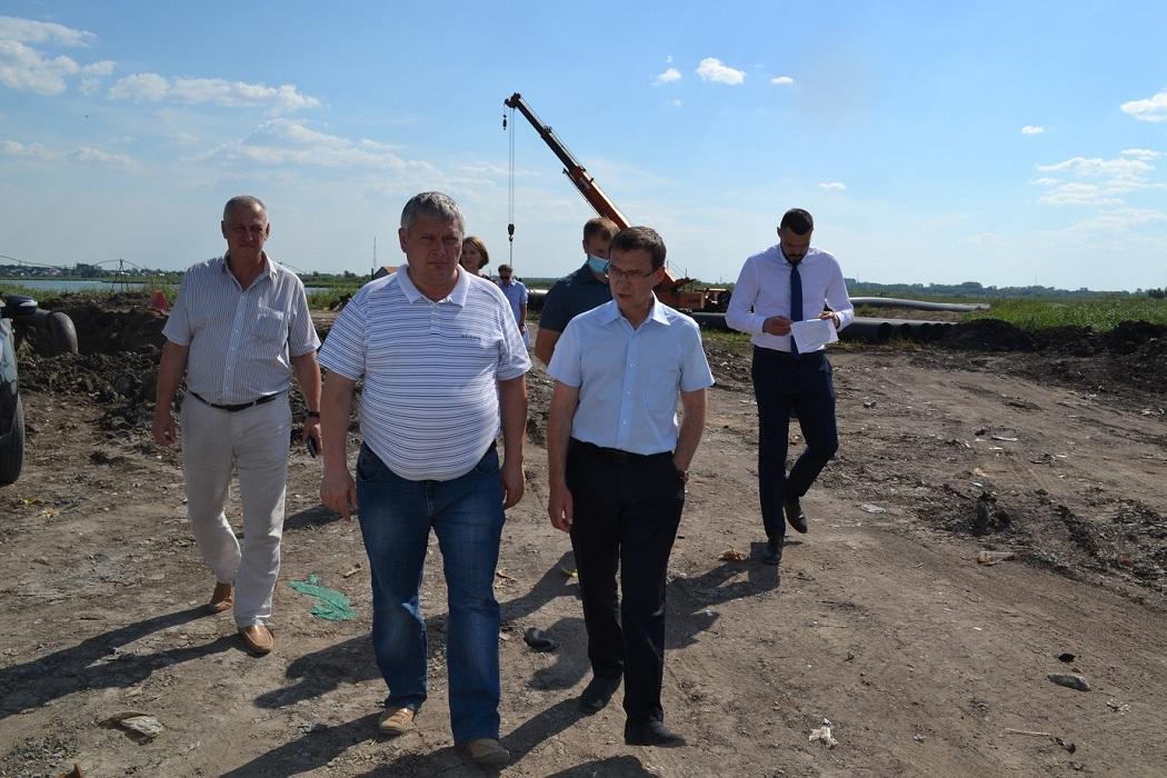 В Северном микрорайоне Кургана меняют старый водопровод