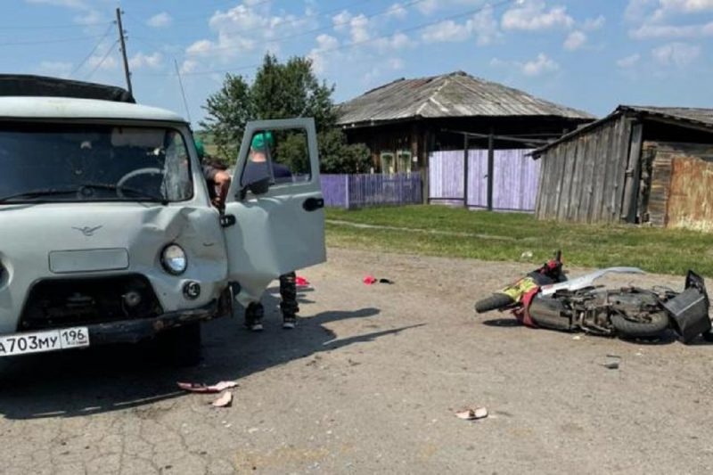 Два подростка на скутере серьёзно пострадали в ДТП с УАЗом под Ирбитом