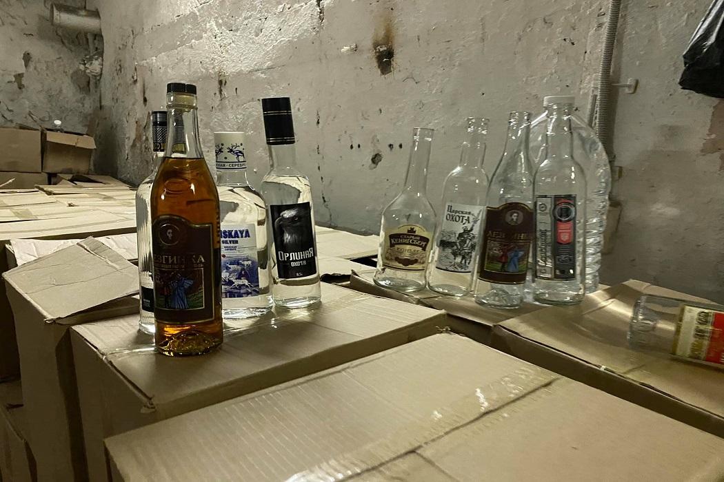В Екатеринбурге ликвидировали цех по производству поддельного алкоголя