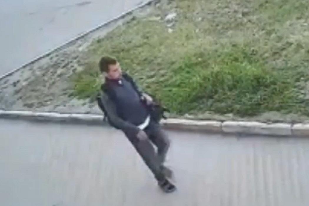 Полиция Нижнего Тагила разыскивает мужчину с усами и бородой