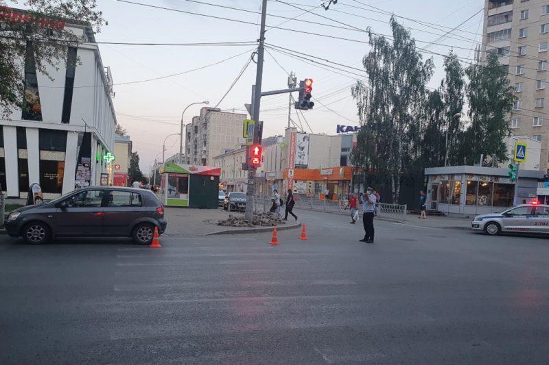 На Уралмаше Hyundai сбил 7-летнего ребёнка на самокате