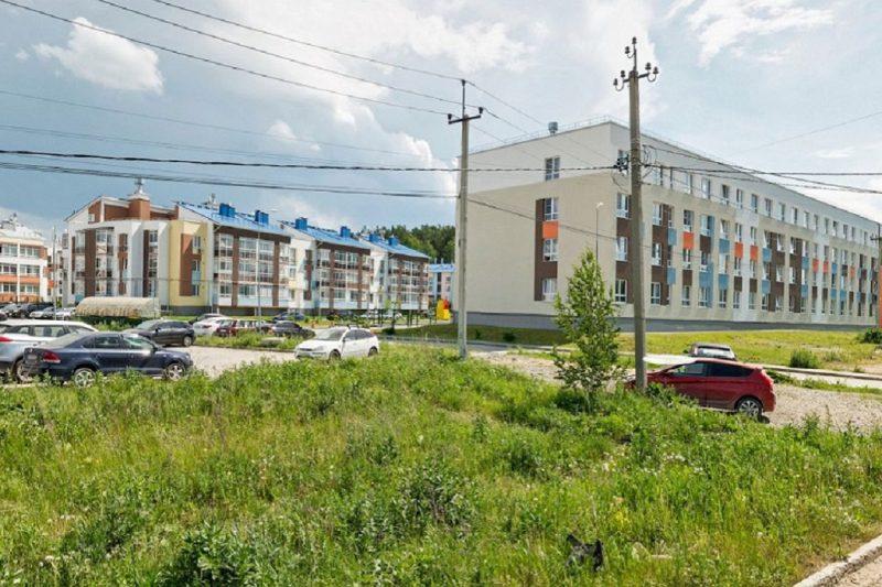 В Екатеринбурге из Мичуринского вывозят контейнеры для глэмпинга