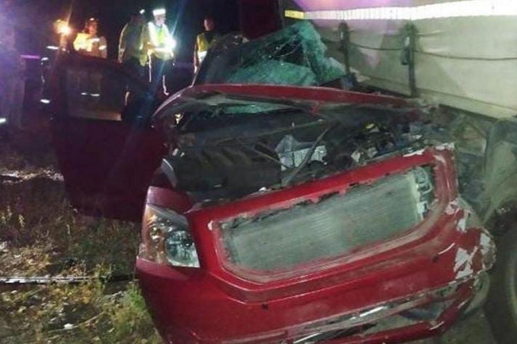 Двое ямальцев погибли в ДТП с грузовиком в Челябинской области