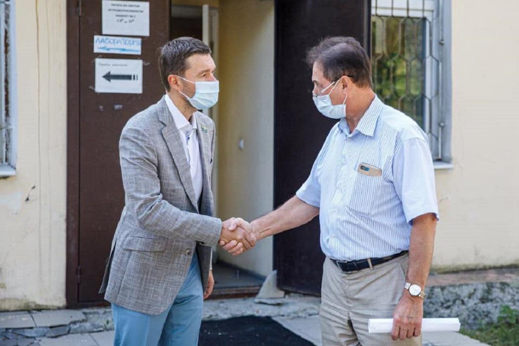 ГКБ №14 Екатеринбурга получила от депутата стерилизатор за миллион рублей