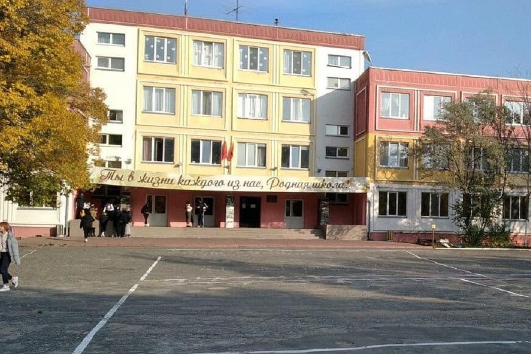 В школе № 70, корпус 2 проводится капитальный ремонт кровли