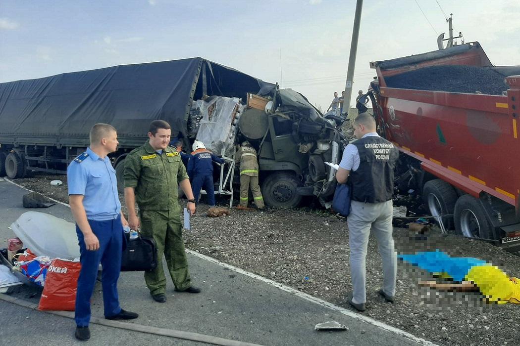 Ребёнок и трое взрослых из Екатеринбурга погибли в ДТП под Саратовом