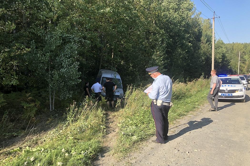 В Екатеринбурге 56-летний водитель Ford погиб в ДТП при попытке обгона