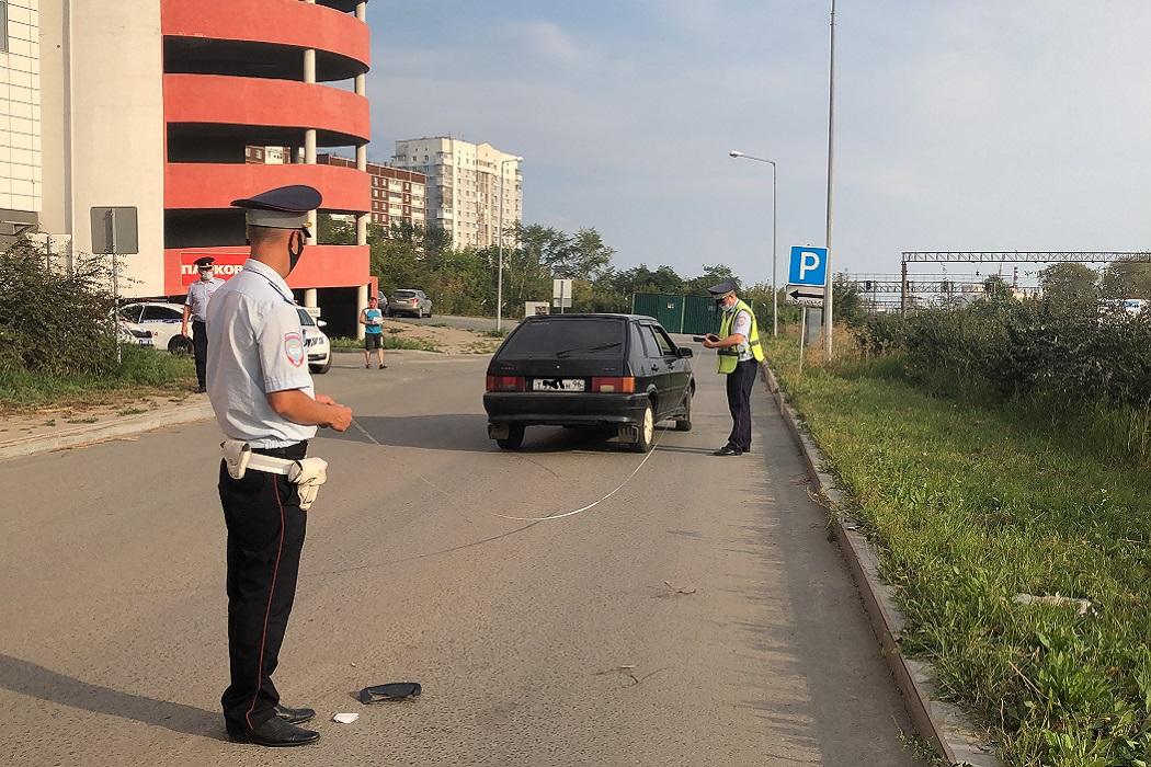 В Екатеринбурге водитель ВАЗ сбил 12-летнего мальчика возле ТЦ «Мегамарт»